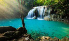 VIDEO-Las cataratas de Erawan – Tailandia es una de las experiencias más increíbles de la historia!